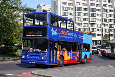 362-V362 OWC at Queen Mums Gate, Park Lane.