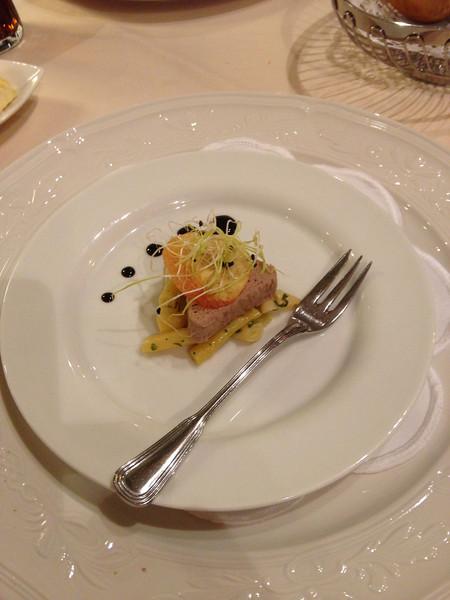 Proevertje van de Chef, Wild-paté op asperges.