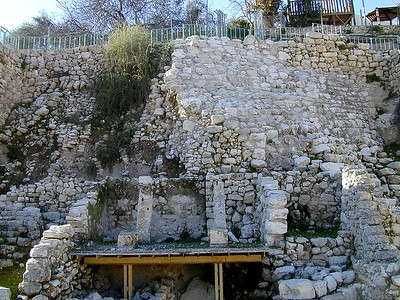 City of David - Nehemiah's wall and remains of a house on the wall (Area G from east), tb012801201