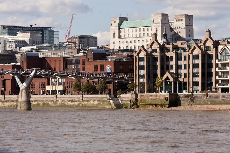 The Millenium (Wobbly) Bridge in London