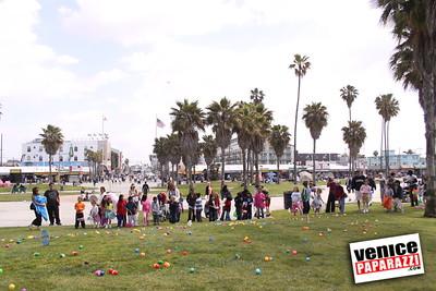 04 11 09  Venice Recreation and Parks Easter Hunt 2009   Venice Beach, Ca Photos by VenicePaparazzi (1)
