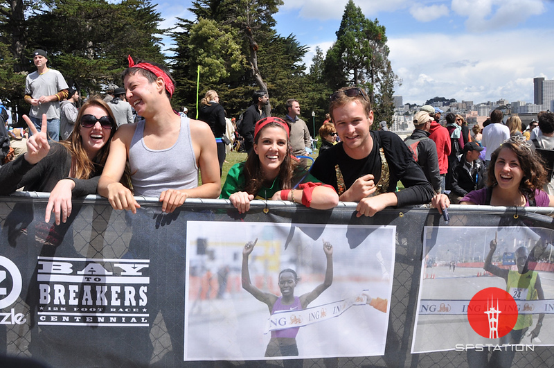 """Photo by Alex Akamine <br /><br /> <b>See event details:</b> <a href=""""http://www.sfstation.com/100th-bay-to-breakers-e1268681""""> Bay to Breakers</a>"""
