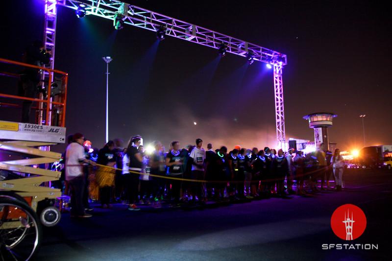 "Photo by Gabriella Gamboa<br><br><b>See event details:</b> <a href=""http://www.sfstation.com/cosmic-run-e2011092"">Cosmic Run </a>"