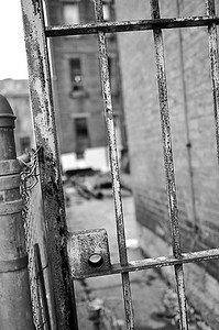 rusty gate bw feb2011