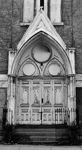 vacant church door bw feb2011
