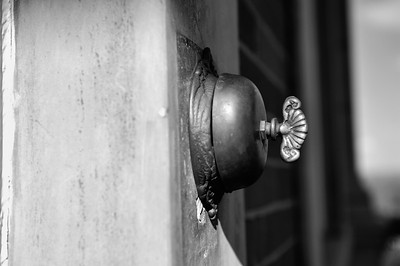 observatory doorbell bw april 2011