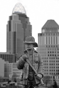 mt adams statue bw feb2011