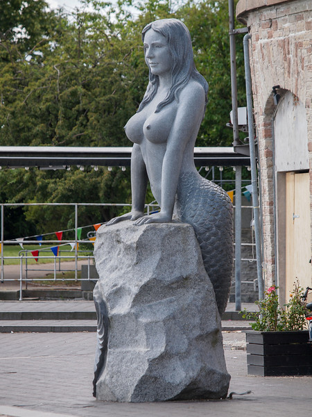 The voluptuous New Little Mermaid