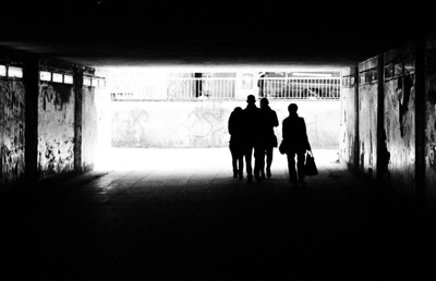 Silhouettes in a Tunnel. Photo: Martin Bager.