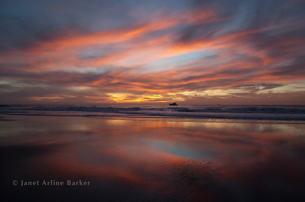 DSC_6940-sunset-fishing boat