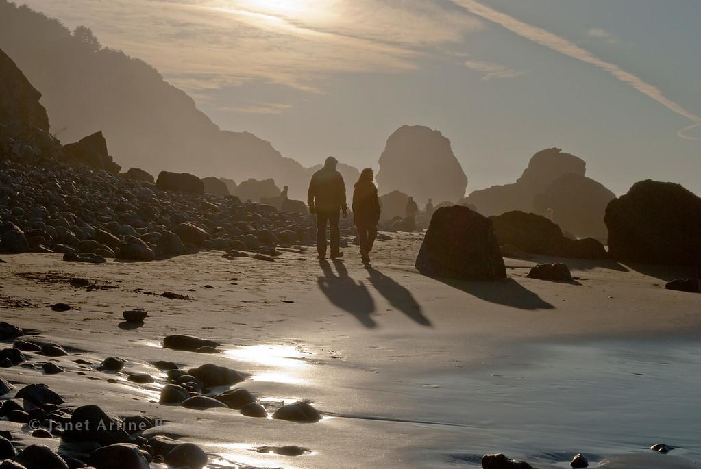 DSC_9619-1-mile beach walking to sun