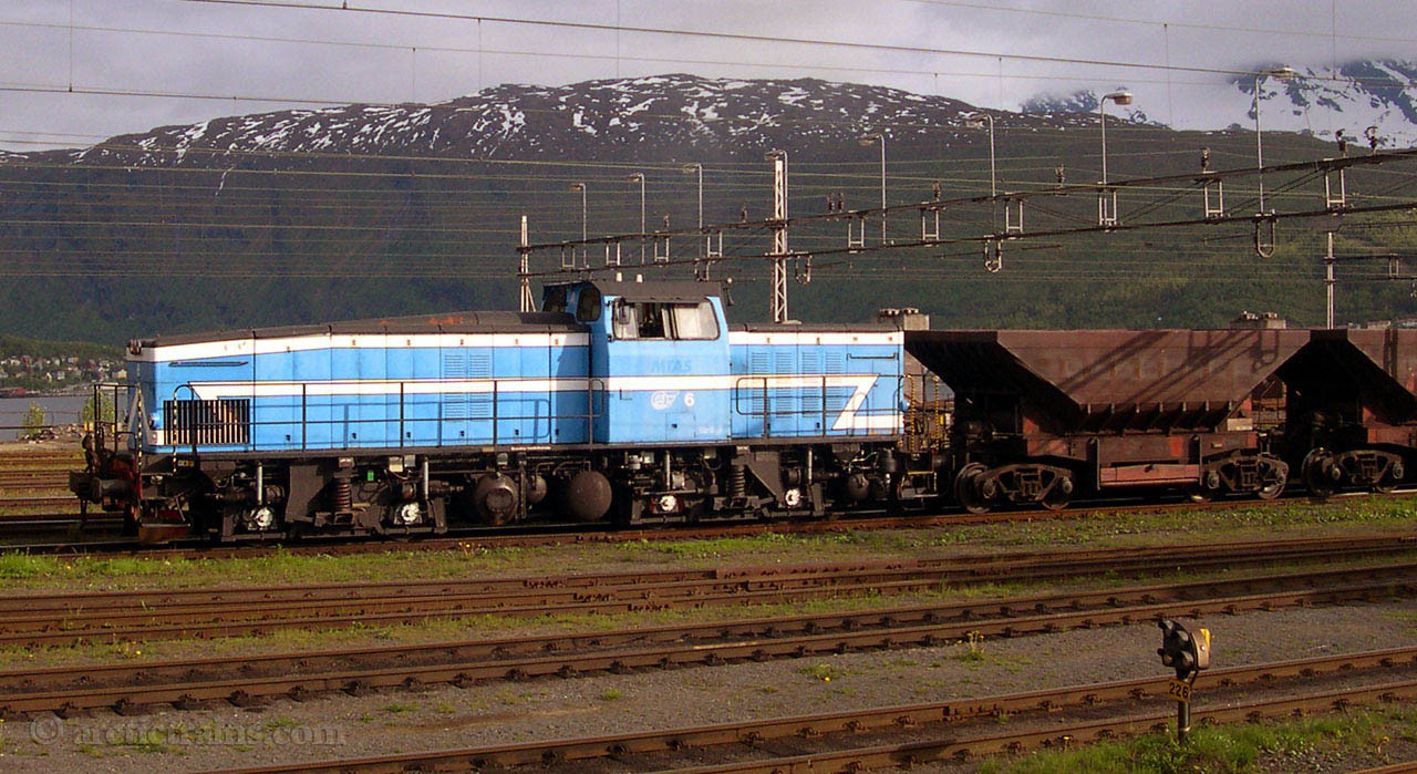 LKAB T44 6 Uad Narvik Ore Harbour 2003-06-09 by TS