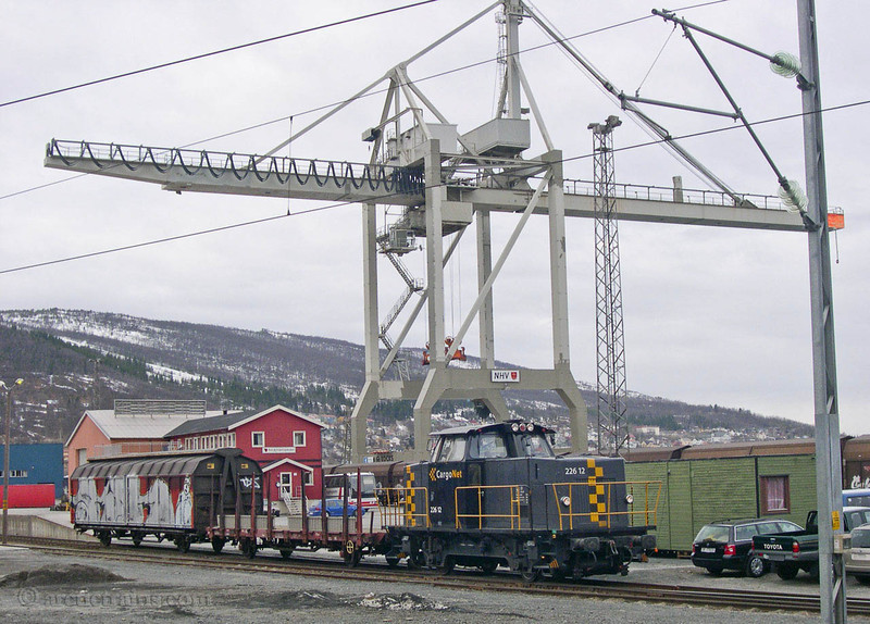 CargoNet Skd 226.12 Narvik H Fagernes Container Crane 2004-08-29 by TS