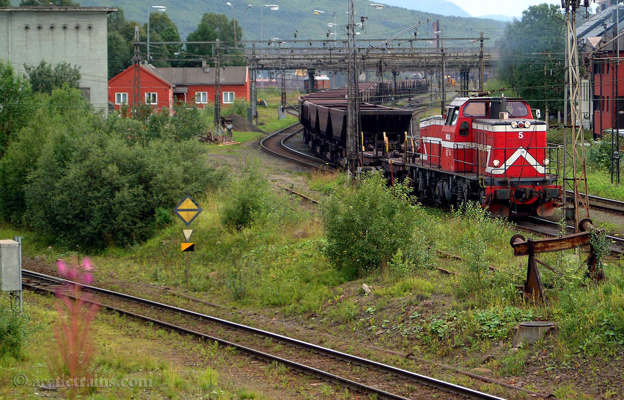 LKAB (MTAS) T44 Uad Narvik Ore Harbour 2001-08-22 by TS