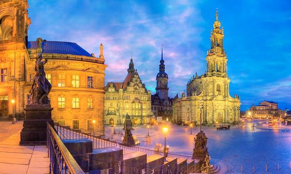 1739-1755 --- Hofkirche and Semperoper in Dresden --- Image by © Paul Hardy/Corbis
