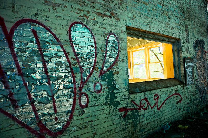 Window within Window at RiverHeath
