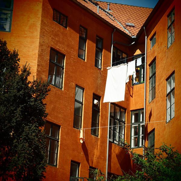 Awash.<br /> Baggård set fra Garnisonskirken, Sankt Annæ Plads, København, Danmark.