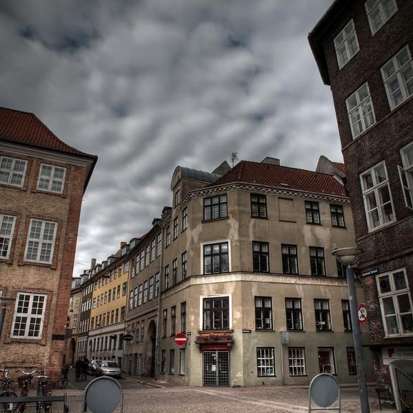 Narrowing Corners.<br /> Gammel Strand, Snaregade og Naboløs, København, Danmark.