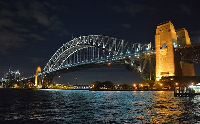 Sydney Harbour Bridge at night.