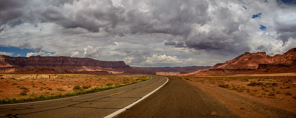 The Big Sweeping Bend, South of Page, Arizona
