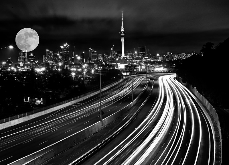 Full Moon Auckland