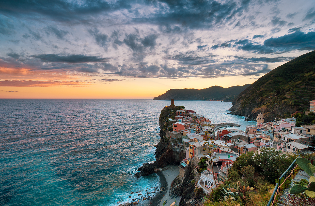 Vernazza, cinque terre, hdr, sunset, blue hour, italy, sony, sony a6500, sea, mountains