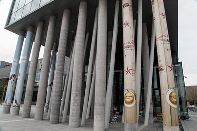Store Pillars