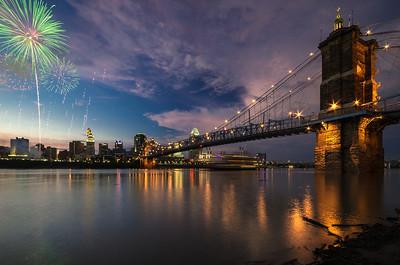 """Queen City Fireworks"" Cincinnati, Ohio"