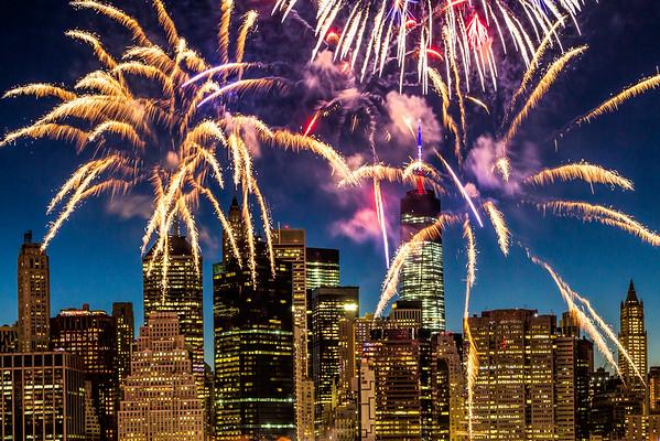 4 July  1WTC  Fireworks NYC 14