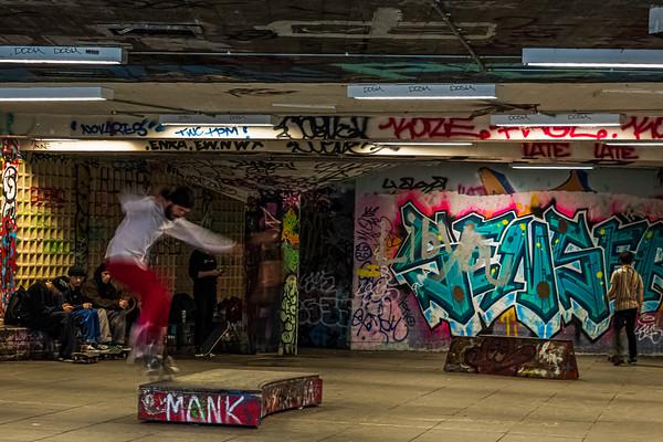 Skateboard action