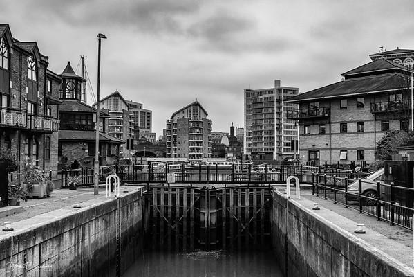 Lock-gates in Limehouse Marina