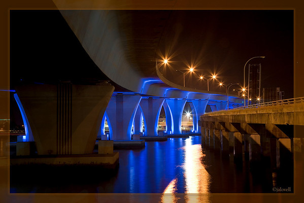 Dodge Island Bridge-Miami: View from underneath near BaySide