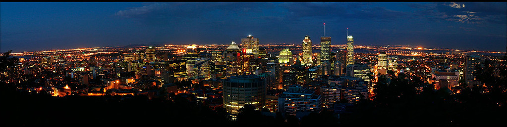 Panorama: Montreal skyline at night