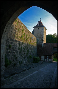 Entrance, old town wall