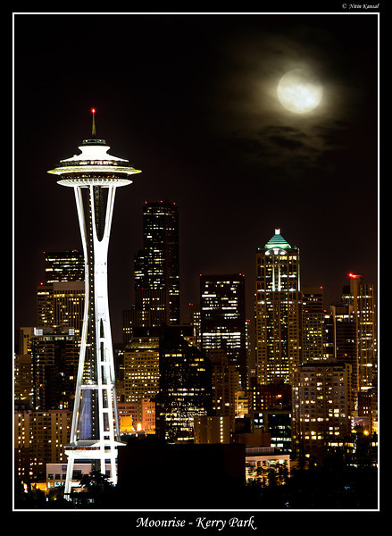 Full Moon and Seattle skyscraper as seen from Kerry park