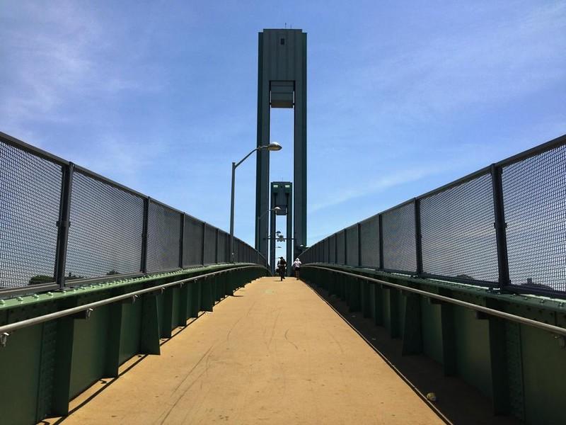 Ward's Island Walk Bridge - wide angle