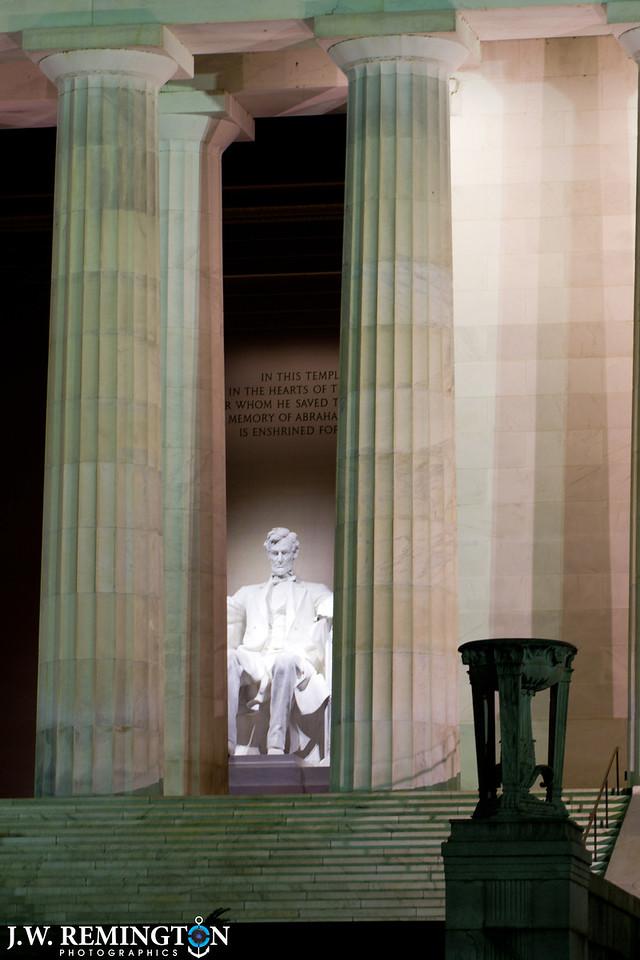 Lincoln Memorial Angled Peek