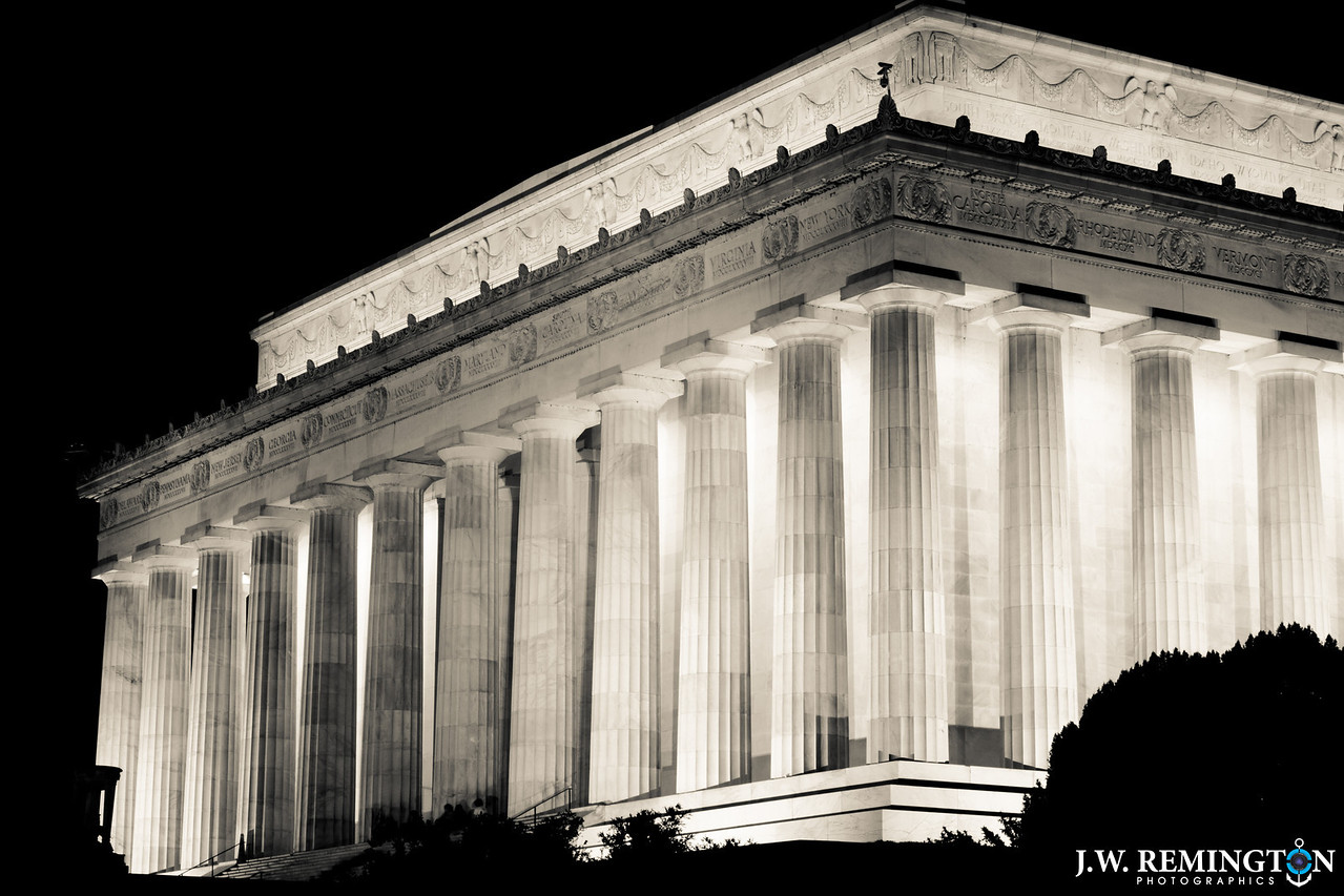 Lincoln Memorial, Northeast Corner, Black & White