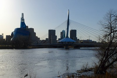 Louis-Riel Esplanade Bridge, over the Rouge, with the Human Rights museum on the left.