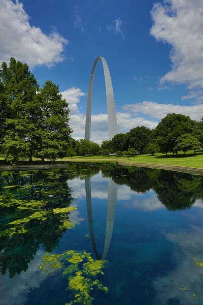 The Gateway Arch on a beautiful day.