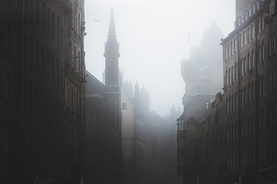 Moody Royal Mile. Edinburgh, Scotland