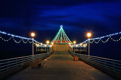 Manhattan Beach Pier walkway during twilight