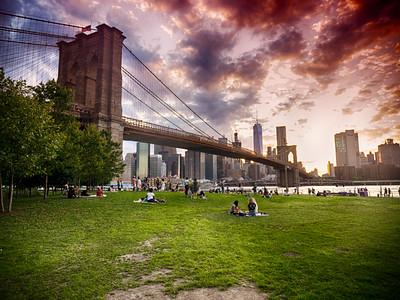 Summer evening in Brooklyn Bridge Park