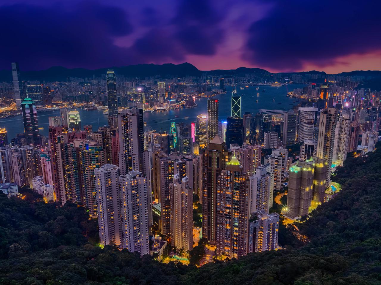 Hong Kong comes alive at Night