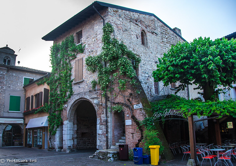 Arches of Sirmione 2