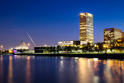 Milwaukee Lakefront and Skyline