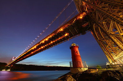 The Little Red Lighthouse and the Great Gray Bridge