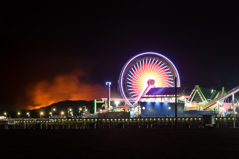 Woolsey fire glow from Santa Monica pier