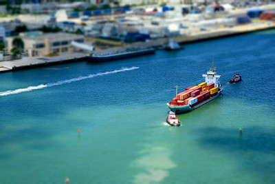 Container Ship (Diorama)
