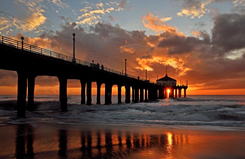 Manhattan Beach sunburst sunset